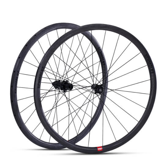 Black Edition TLO tubular 30mm with tune prince skyline disc hubs